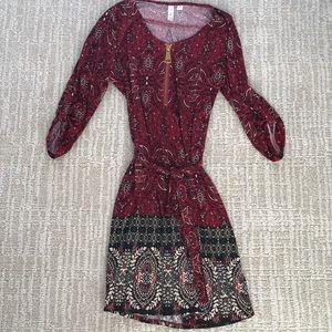 Quarter length sleeve midi dress